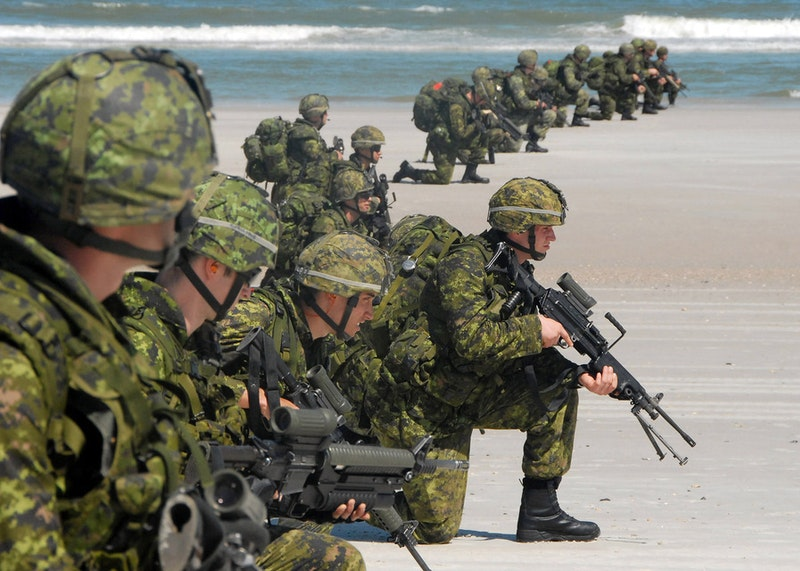 Us navy 090425 n 2821g 192 canadian soldiers storm the beach near mayport during a unitas gold amphibious assault demonstration.jpg?ixlib=rails 2.1
