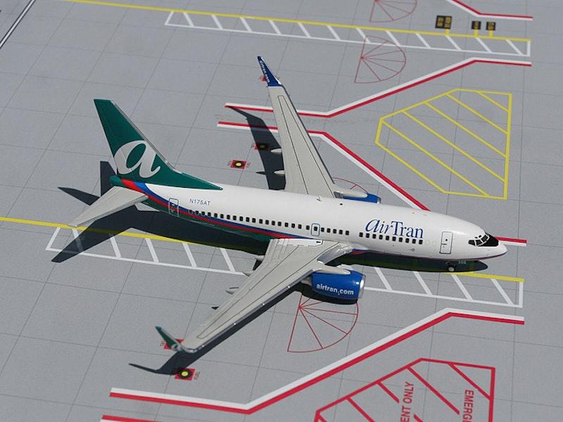 Gemini 200 air tran boeing 737 700 n175at scale 1 200 g2trs064 6386 p.jpg?ixlib=rails 2.1