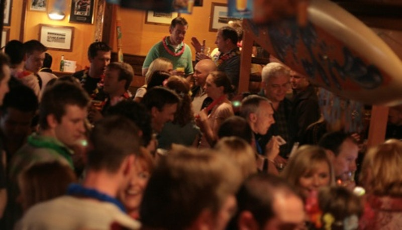 Crowded bar.jpg?ixlib=rails 2.1