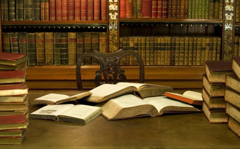 Rsz desk with books4.jpg?ixlib=rails 2.1