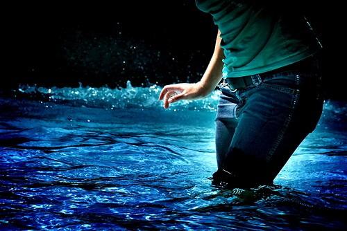 Water blue light woman cool artsy 7c22f2d0f2b04ee1036ef6906b89c242 h.jpg?ixlib=rails 1.1