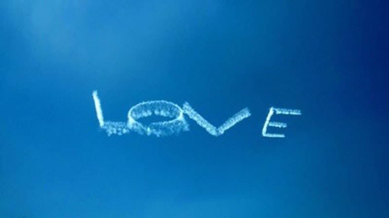 Rsz wordlesswedloveskywriting  1 .jpg?ixlib=rails 2.1
