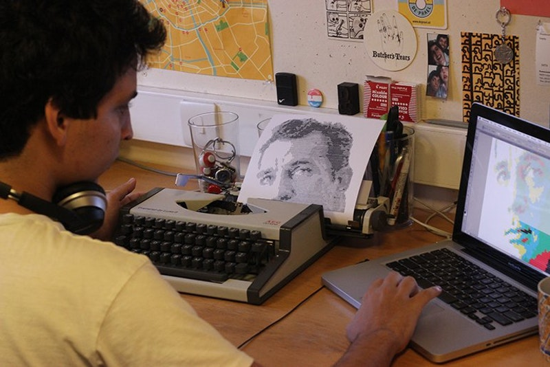 772x515xnetloid alvaro franca uses a vintage typewriter to create detailed portraits2.png qcf9e5e.pagespeed.ic.fqt vki4ji.jpg?ixlib=rails 2.1