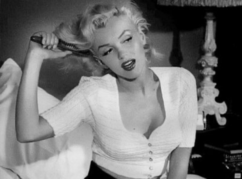 Rsz tumblr static black and white marilyn monroe sexy favimcom 426488.jpg?ixlib=rails 2.1