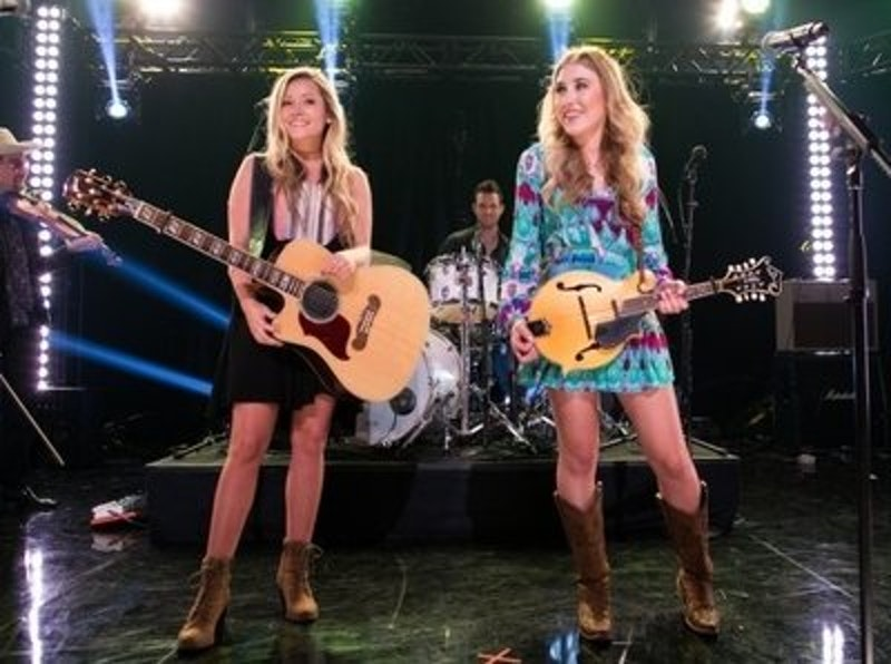Rsz maddie and tae girl in a country song music video of the year 630x420.jpg?ixlib=rails 2.1