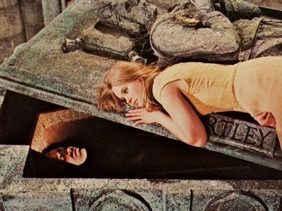 Rsz taste the blood of dracula 1970 002 christopher lee in grave linda hayden on lid.jpg?ixlib=rails 1.1