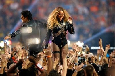 Beyonce super bowl 2016 black leather dsquared2 outfit.jpg?ixlib=rails 2.1