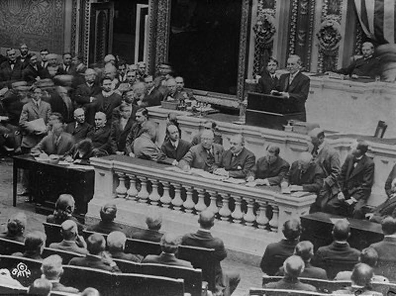 Rsz woodrow wilson addressing congress pct28locpct29.jpg?ixlib=rails 2.1