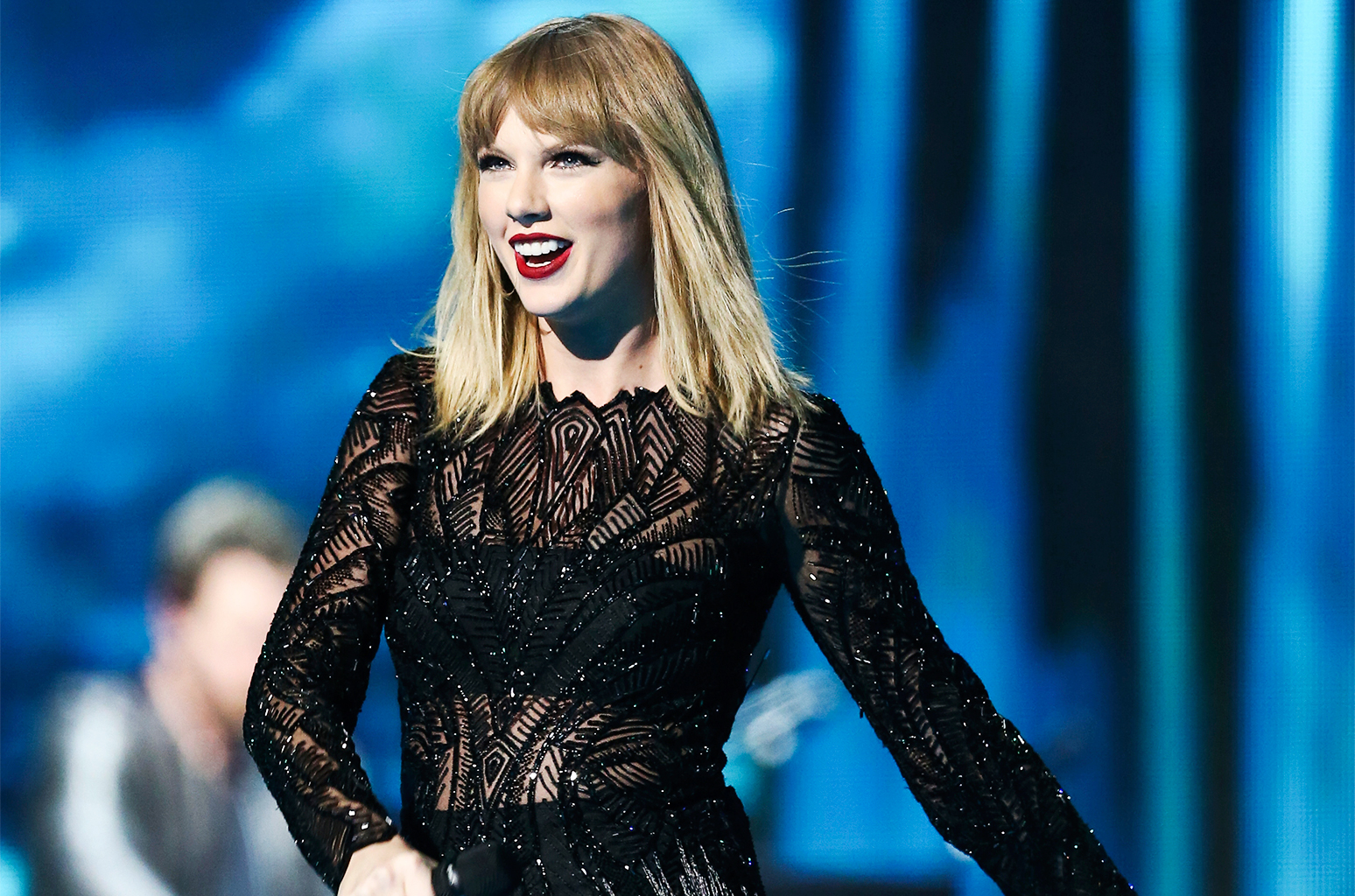 Taylor Swift speaks on Denver stopover