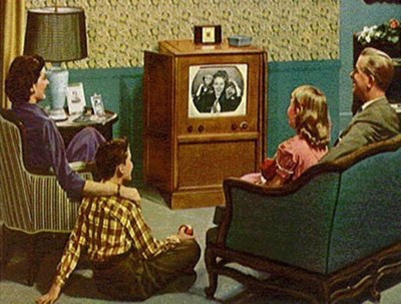 Rsz 53 24929 50s fifties family watching tv 1426807775.jpg?ixlib=rails 2.1