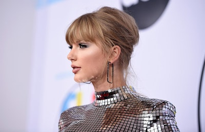 Taylor swift 2018 america music awards red carpet fashion balmain tom lorenzo site 1.jpg?ixlib=rails 2.1