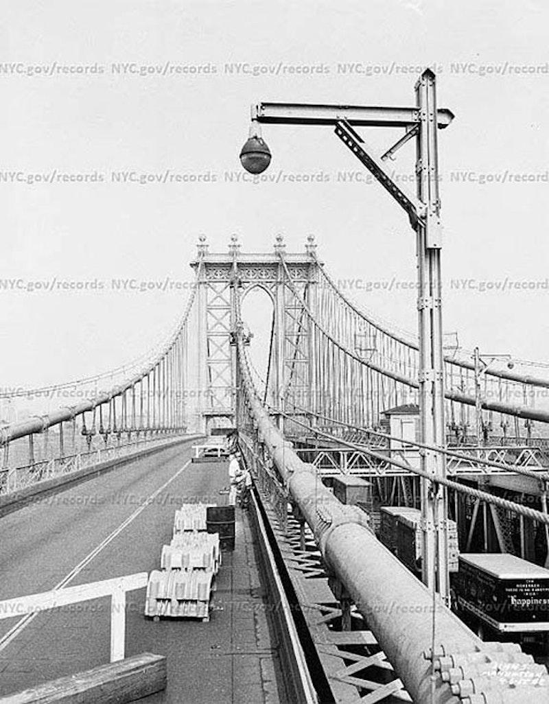 Manhattan.lamp.jpg?ixlib=rails 2.1